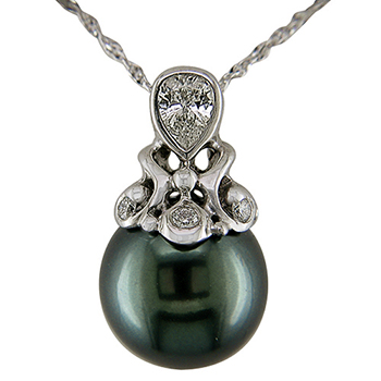 Style:N65 ~A magnificent Tahitian Pearl and diamonds set in a white gold pendant.